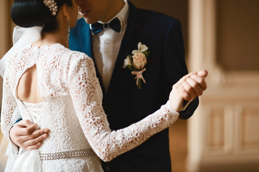 Getting Married Before The Wedding – A Rising Trend