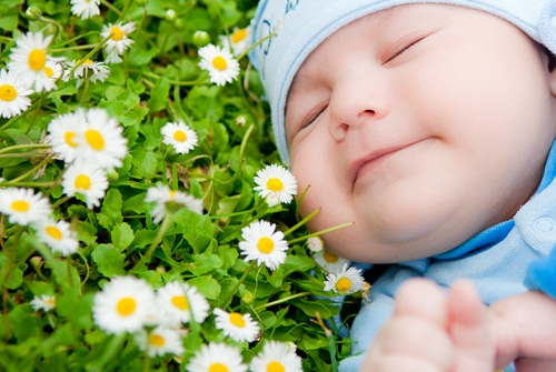 Spring Baby Names: The 22 Freshest Spring-Inspired Baby Names For 2016